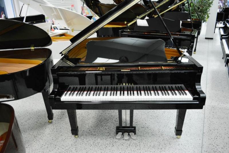 Yamaha c2 grand piano ebay for Yamaha mini grand piano price