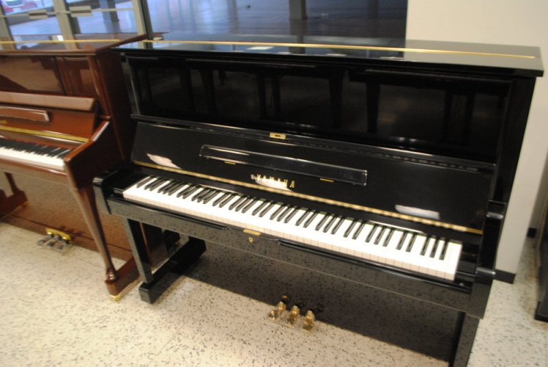Yamaha upright piano 48 model u1 ebony polish ebay for Yamaha u1 professional upright piano
