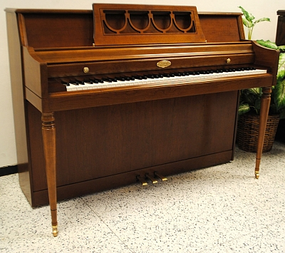 piano on wurlitzer console piano used upright pianos used pianos used. Black Bedroom Furniture Sets. Home Design Ideas